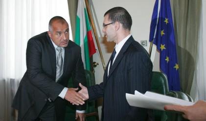 Дянков недоволен от двама министри
