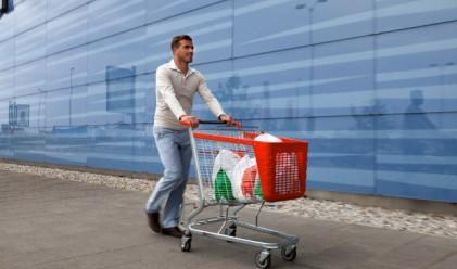 Отказваме се от големи покупки, отчита статистиката