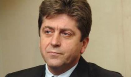 Първанов заговори за тежка политическа зима