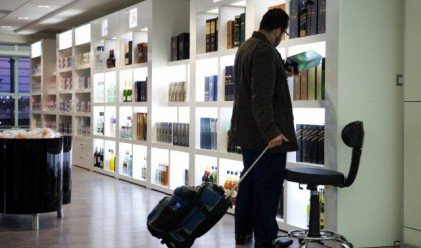 Азиатец похарчи рекордна сума на безмитен магазин