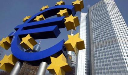 Финансовите министри от ЕС отново ще обсъждат дълговата криза