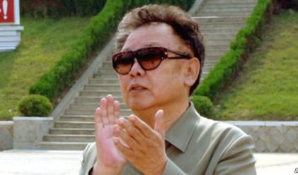 Ким Чен Ир- човекът в и извън режима
