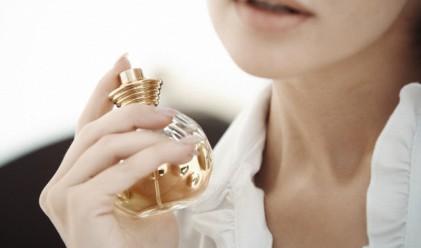Как трябва да се парфюмирате, за да се усеща най-дълго ароматът