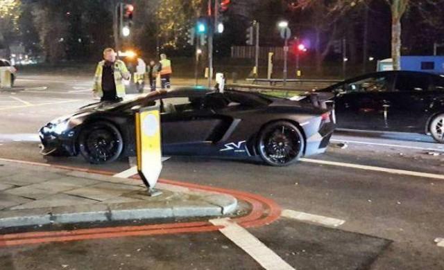 Богаташки син разби Lamborghini Aventador SV