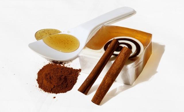 Ето какво ще се случи, ако ядете мед и канела всеки ден