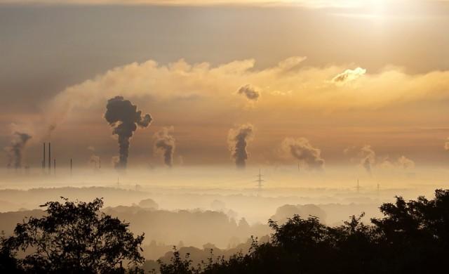 Червен код в Китай, смогът е 20 пъти над нормата