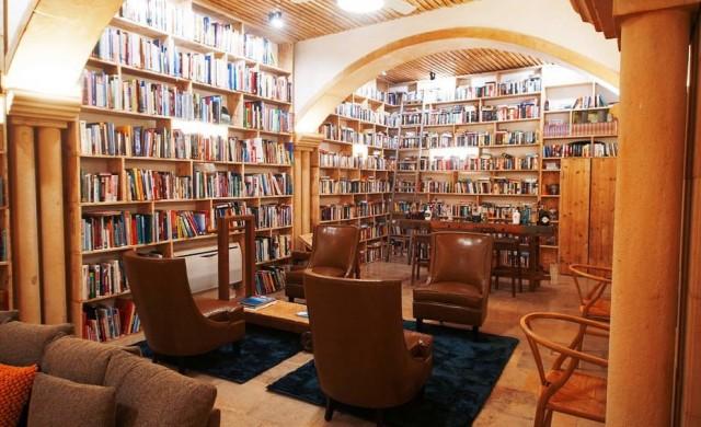 Този португалски хотел е мечтата на всеки, който обича да чете