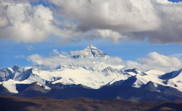 Туристически комплекс на Еверест ще строи Китай
