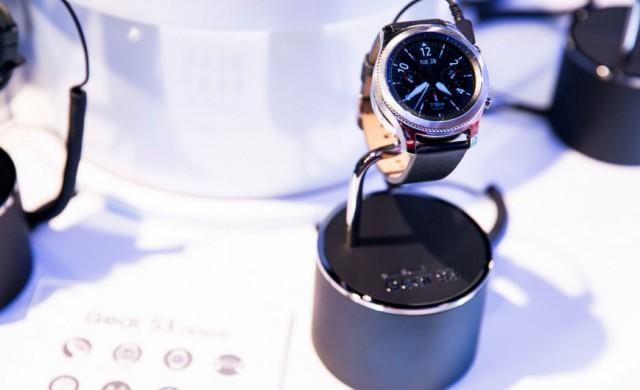 Samsung представи новия си смартчасовник в Москва