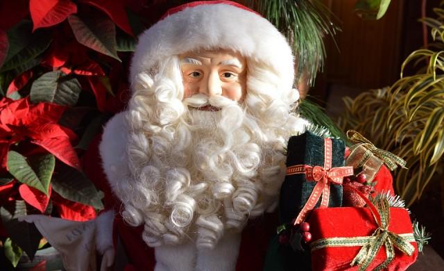 Дядо Коледа ни обира за празниците