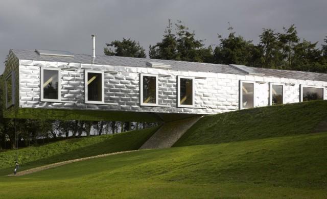 10 от най-красивите сгради, които не зачитат гравитацията