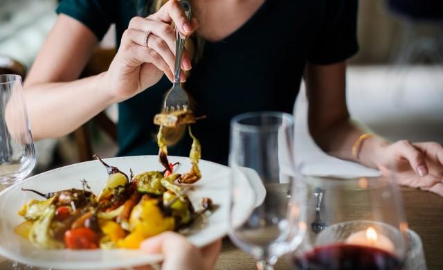 Може да бъде опасно за здравето ви, ако се храните сами