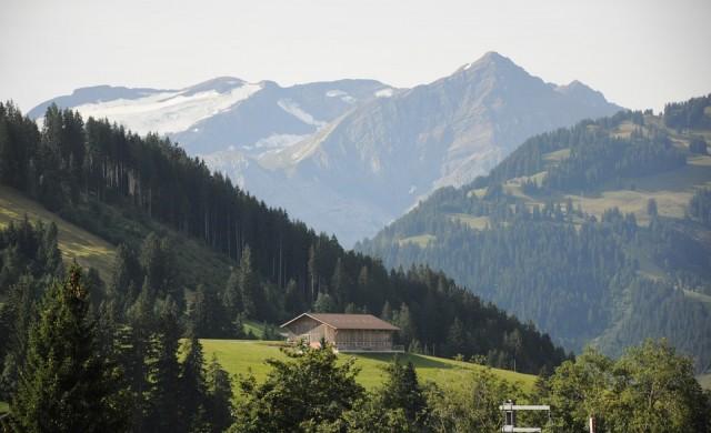 Вече можете да обядвате на ледник в Швейцарските Алпи