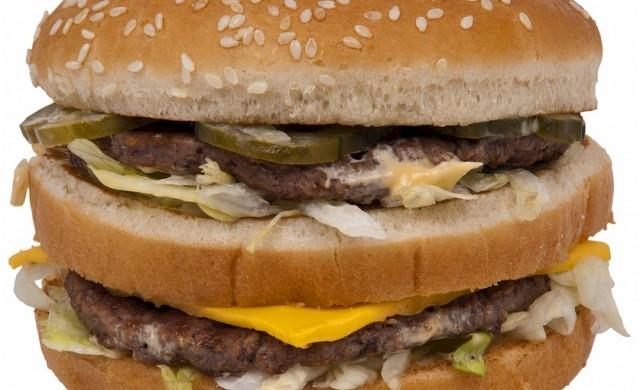 Въпреки милиардите си, Доналд Тръмп хапва McDonald's