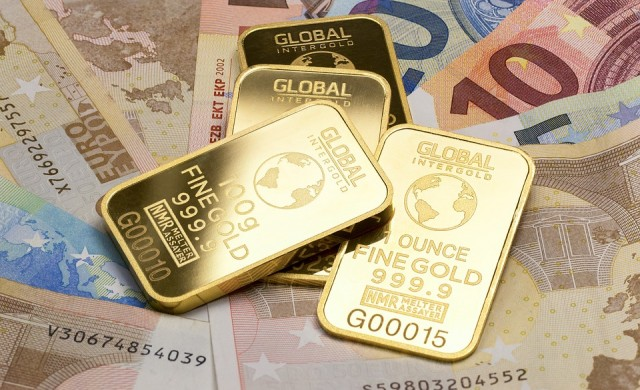 Златото с четиримесечен минимум