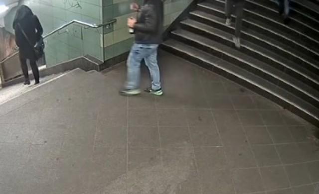 Българинът, ритнал жена в берлинското метро, е пребит в затвора
