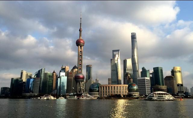 Без шум втората най-висока сграда отвори след 2-годишно забавяне