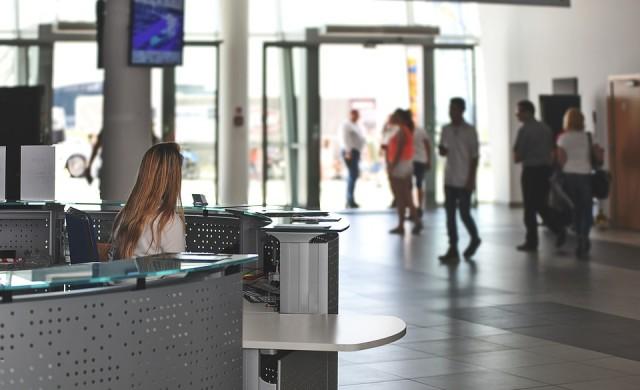 Бездомник открадна 350 000 евро от летище в Париж
