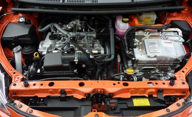 Всички коли на Toyota с електрическа или хибридна версия до 2025