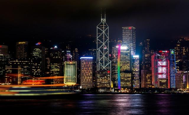 Китай посяга на автономията на Хонконг, твърдят критици