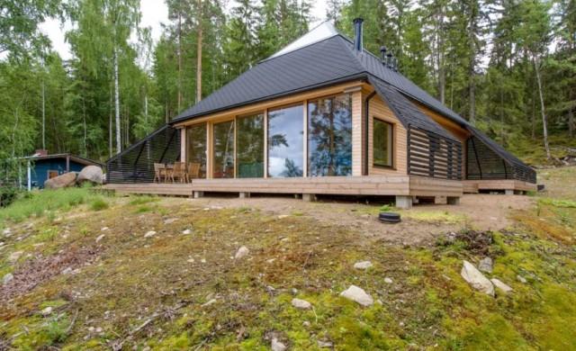 Уютна къща-пирамида във Финландия
