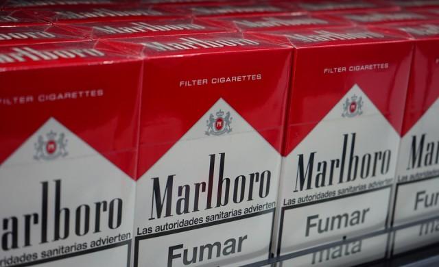 Marlboro преговаря с канадски производител на марихуана
