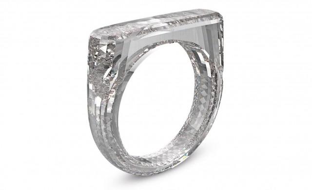 Единствен по рода си диамантен пръстен бе продаден на търг