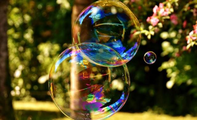 Bloomberg: Да, биткойнът беше балон, който се спука...