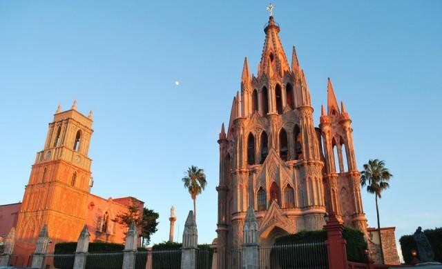 Наркокартелите завземат мексикански град, пълен с американци