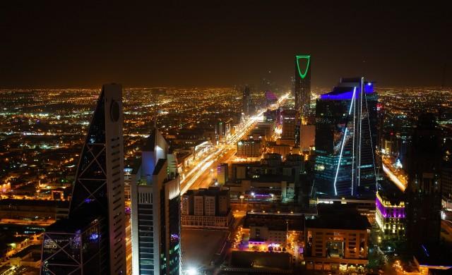 Без отделни входове за жени в ресторантите в Саудитска Арабия