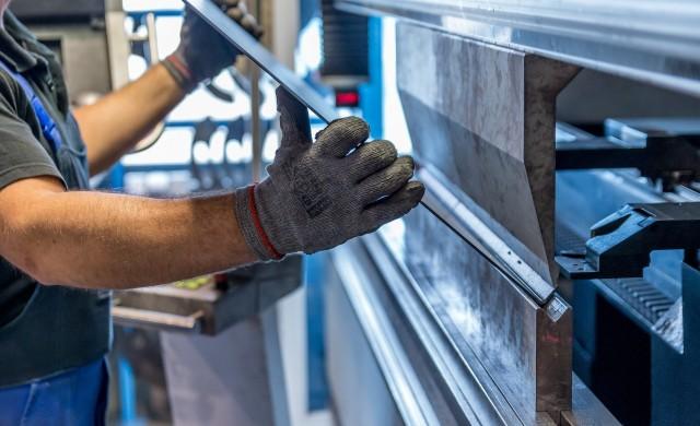 Промишленото производство с ръст от над 1% през октомври