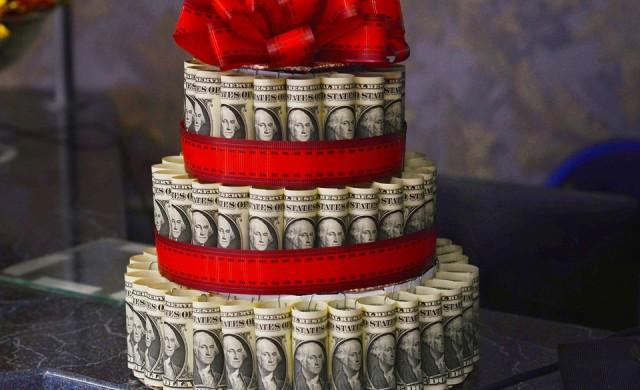 Компания изненада служителите си с коледни бонуси за $10 млн