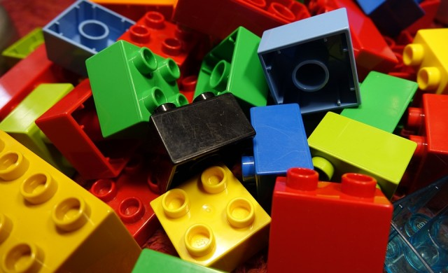 Работа-мечта: да строите с Lego по цял ден
