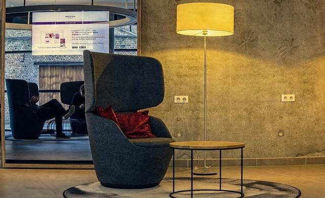 Не използвайте креслата в хотелската стая
