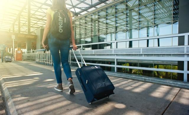 Защо не трябва да слагате куфара си на леглото?