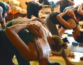 8 йога пози, с които ще подобрите храносмилането си