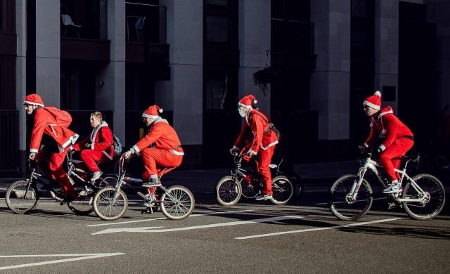 Защо тази година Дядо Коледа няма да има достатъчно велосипеди в торбата?