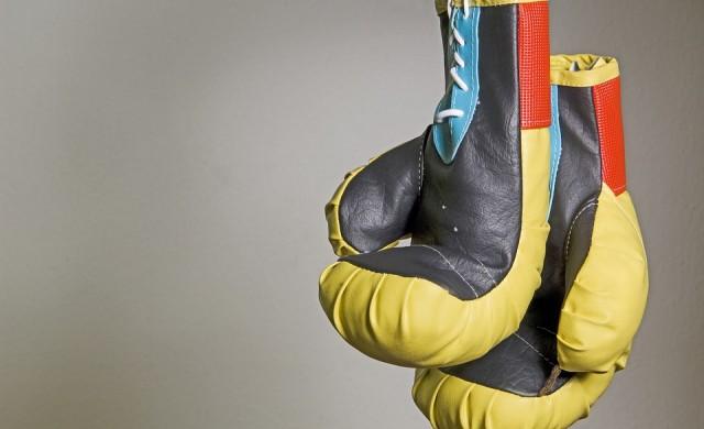 Боксова легенда излиза от пенсия, за да се бие с YouTube звезда