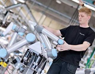 Коботите на Universal Robots могат да се внедрят във всяка индустрия