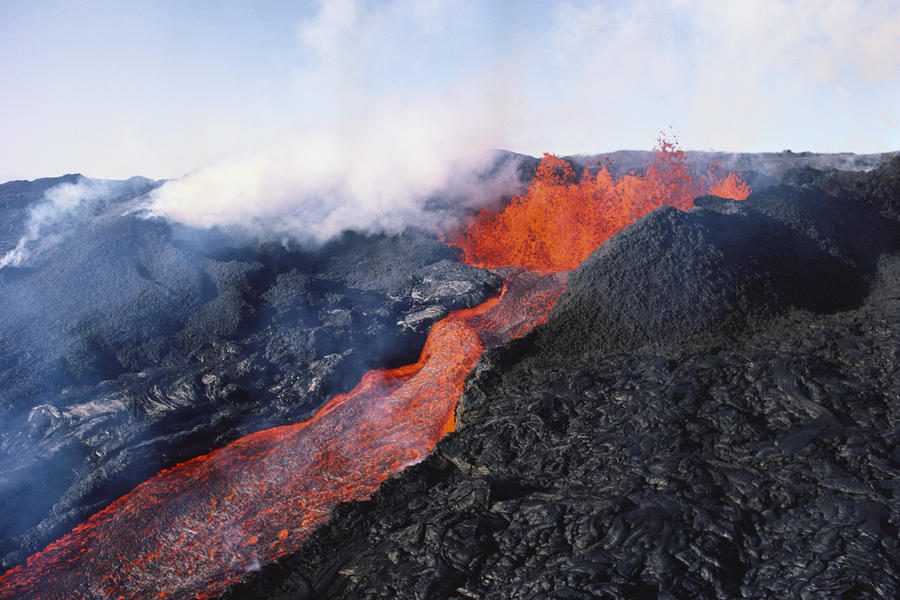 Scientists remember Mauna Loa's past eruptions; prepare ...