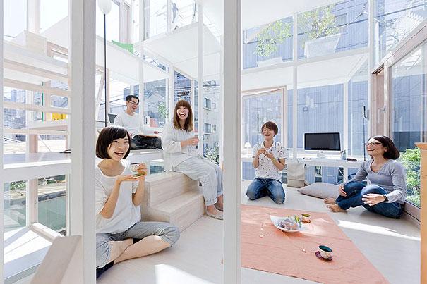 прозрачната къща в Япония